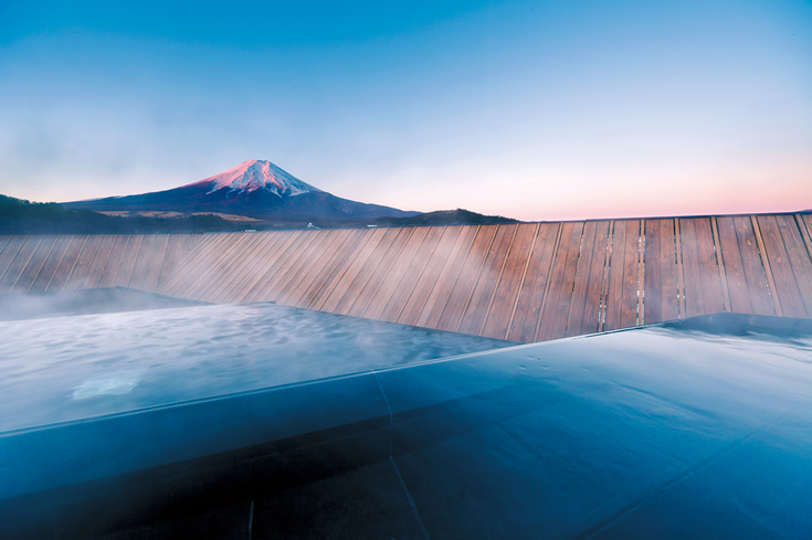 Baños Termales Japoneses:entera, hasta la misma base, desde un manantial de aguas termales