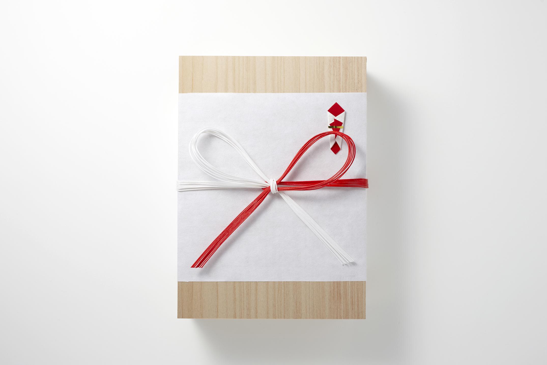 Qu Offrir Pour Une Naissance mizuhiki- un artisanat fabuleux, qui renferme un vœu